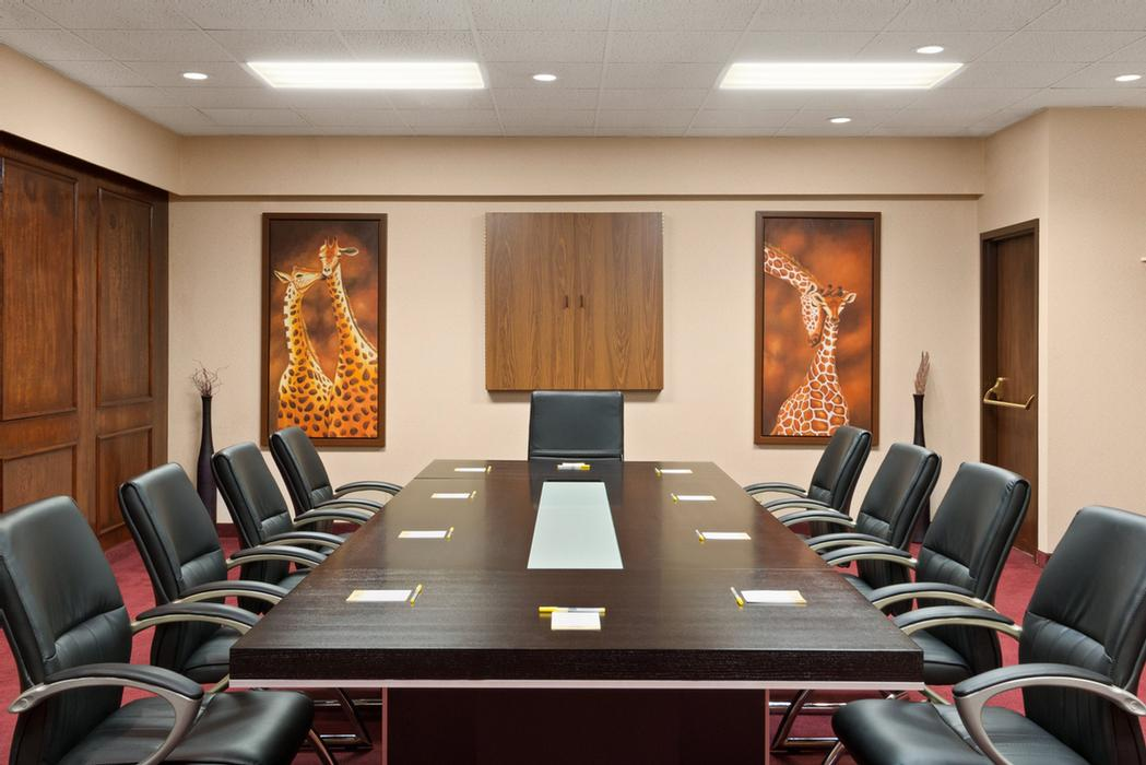Meeting Room C 16 of 17