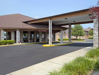 Baymont Inn & Suites Metropolis Il 1 of 12