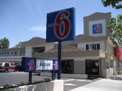Motel 6 San Jose Convention Center 1 of 4