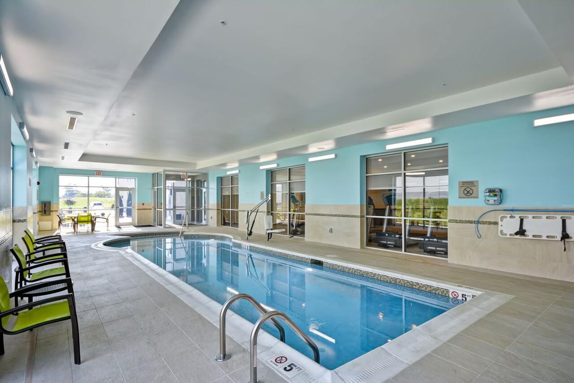 Indoor Saltwater Pool 13 of 21