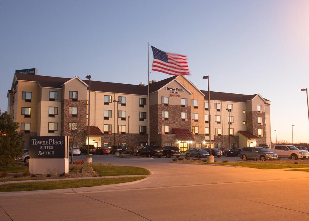 hotel lincoln ne interior extended view townhouse deals downtown in stay us room