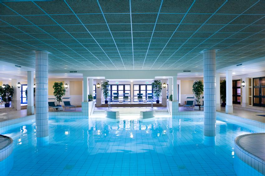 Indoor Swimming Pool 6 of 12