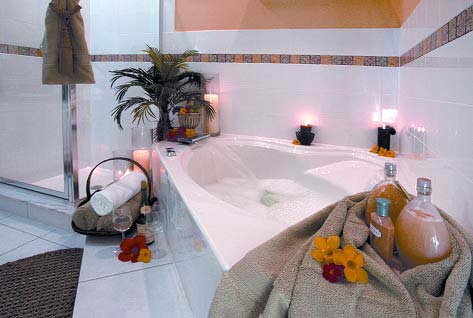 Master Bath With Garden Tub 9 of 11