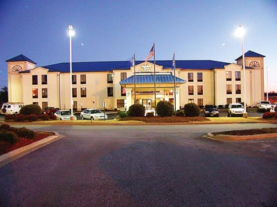 Holiday Inn Express Greer / Taylors 1 of 11