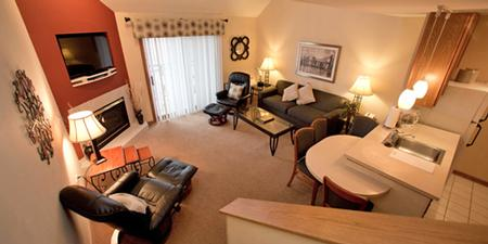 Guest Suite 9 of 27