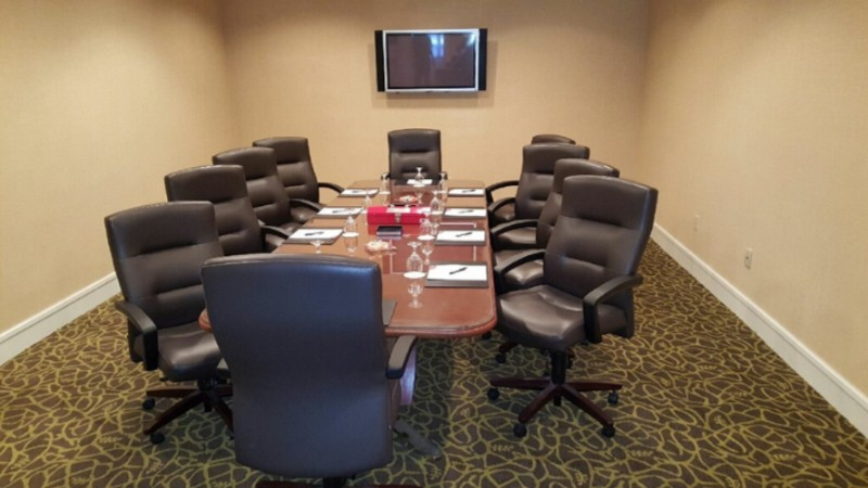 Executive Board Room 8 of 17