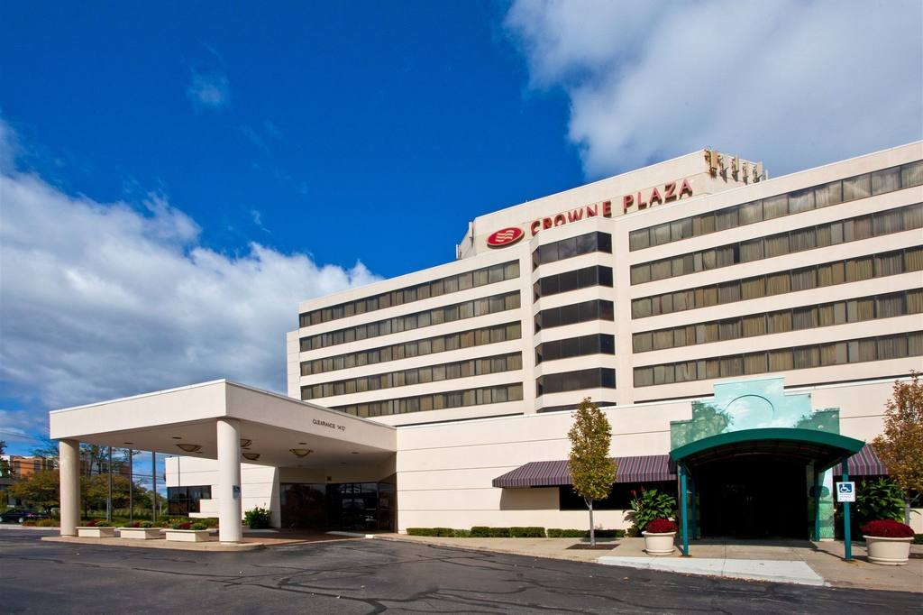 Crowne Plaza Auburn Hills 1 of 10