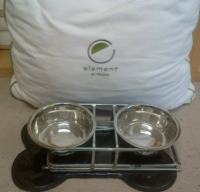 Dog Bed Water & Dog Bowl Treats 4 of 14