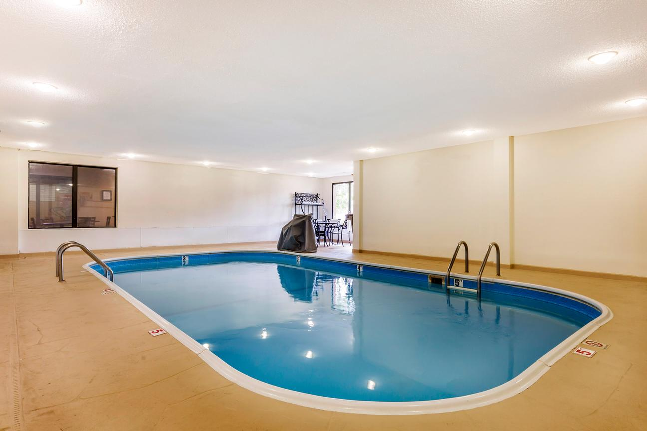 Indoor Heated Pool 14 of 22