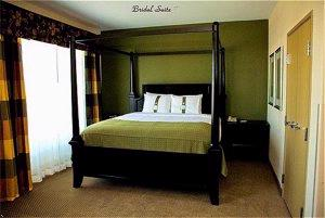 Bridal Suite Bed 8 of 8
