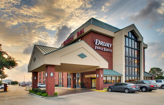 Drury Inn & Suites Houston Hobby Airport 1 of 12