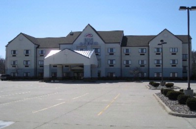 Airport Inn & Suites 1 of 6