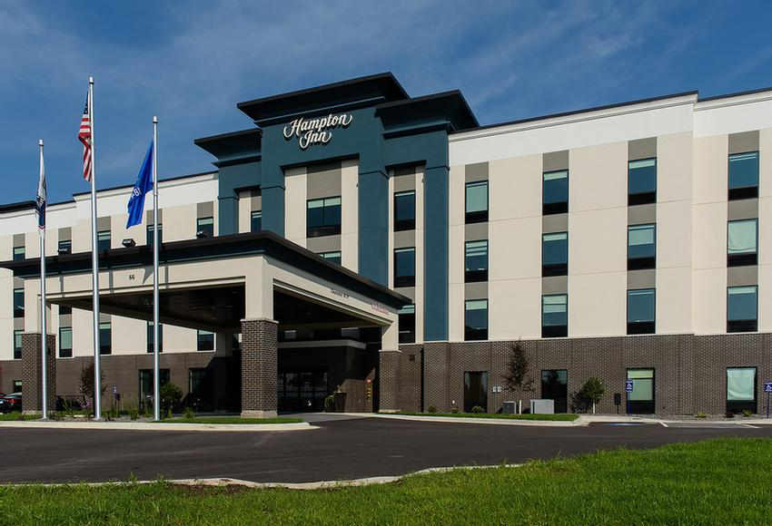 Hampton Inn Superior Duluth 1 of 12
