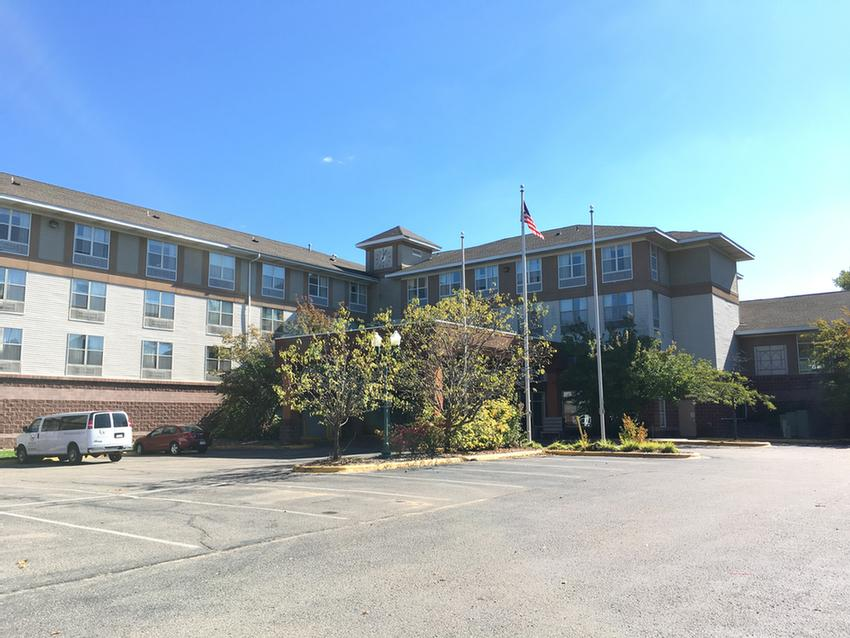 Grandstay Hotel Suites 1 River Bend Place Chaska Mn 55318