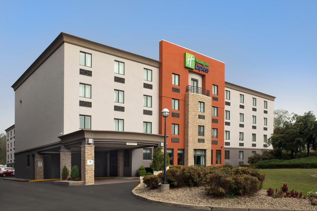 Image of Holiday Inn Express Saugus Logan Airport