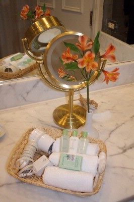Crabtree & Evelyn Products Available In All Guest Rooms 5 of 7