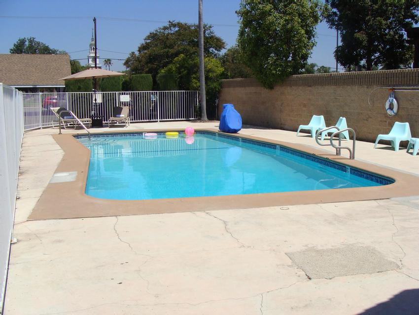 Pool Area 4 of 10