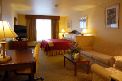 Best Western Penn Ohio Inn & Suites King Bed Business Suite