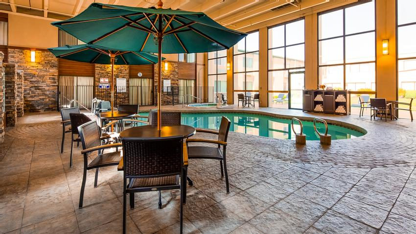 Indoor Pool And Spa 4 of 17