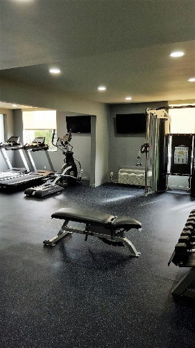 Fitness Center 15 of 17