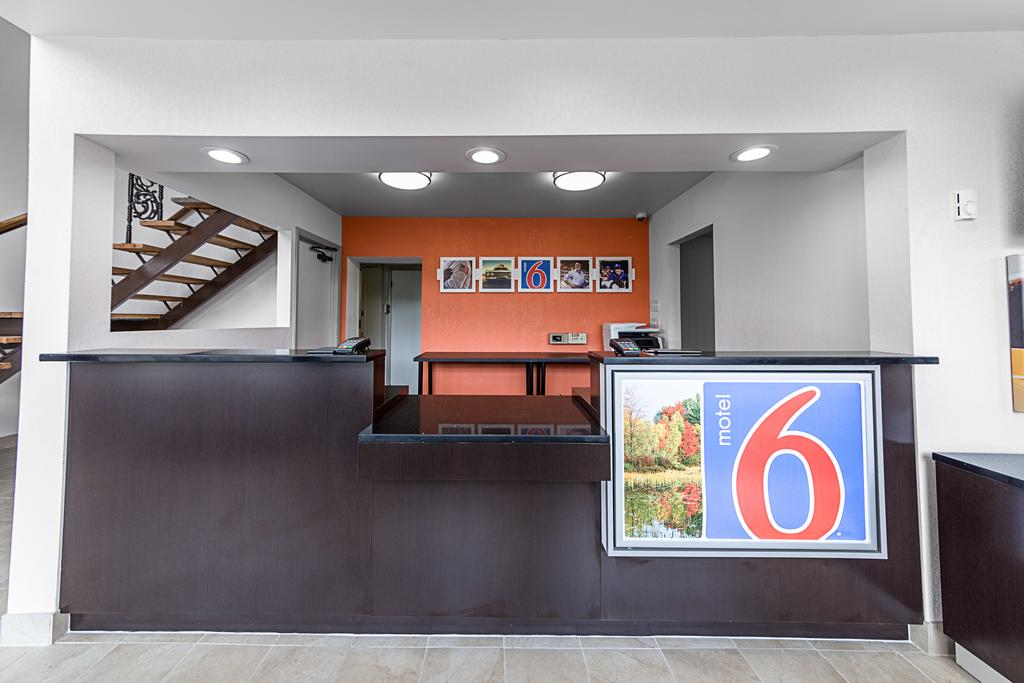 Motel 6 Warminster Pa 1 of 4