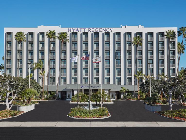 Radisson Hotel Newport Beach 4545 Macarthur Blvd Ca 92660