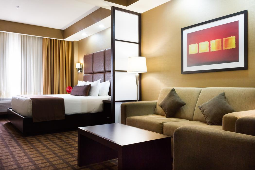 Suite King Room 6 of 17