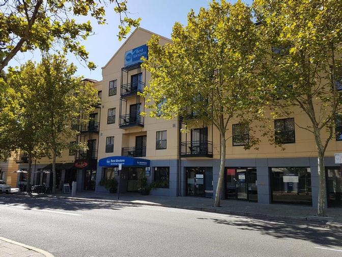 Best Western Northbridge Apartments-Facade 24 of 29