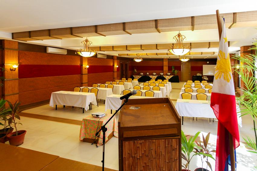 Function Room 16 of 31