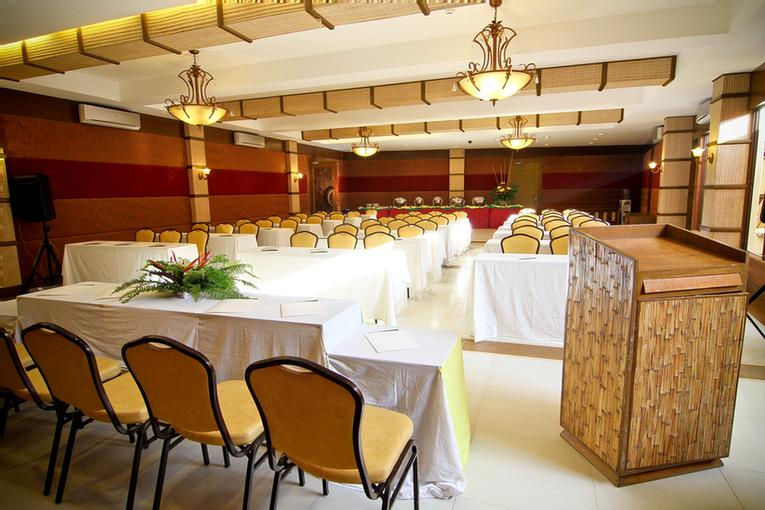 Function Room 18 of 31
