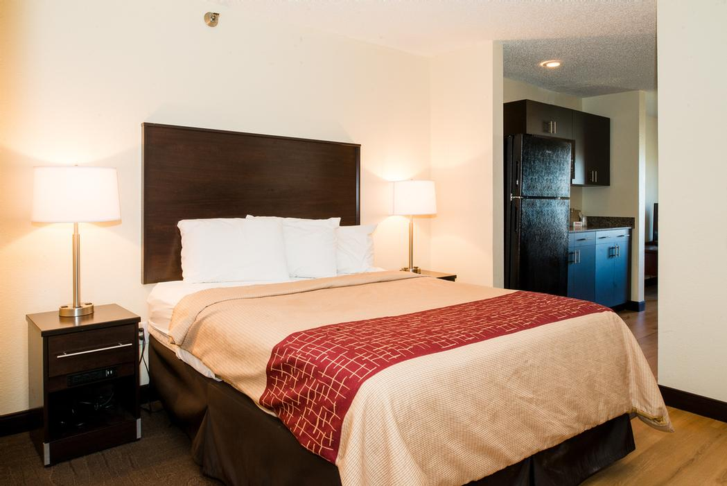Multiple Suite Options With Kitchen & Multi-Room -Great For Extended Stay! 2 of 10
