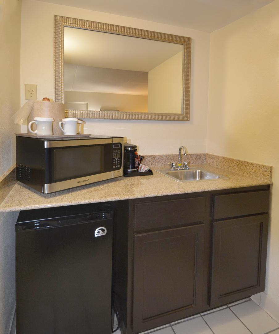Suite Kitchenette 11 of 17