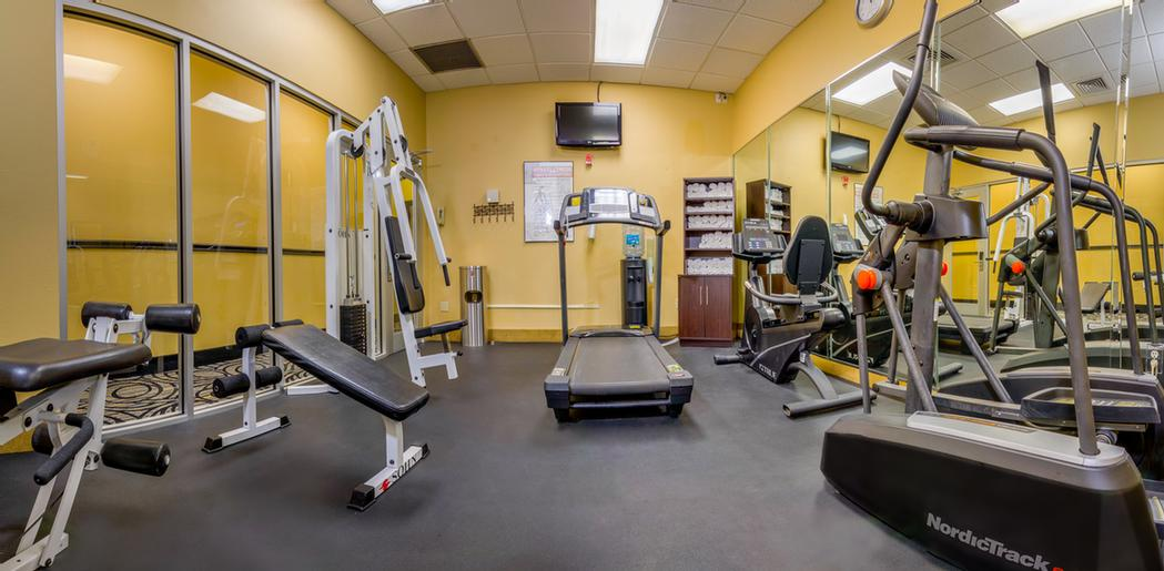 Fitness Room 14 of 17