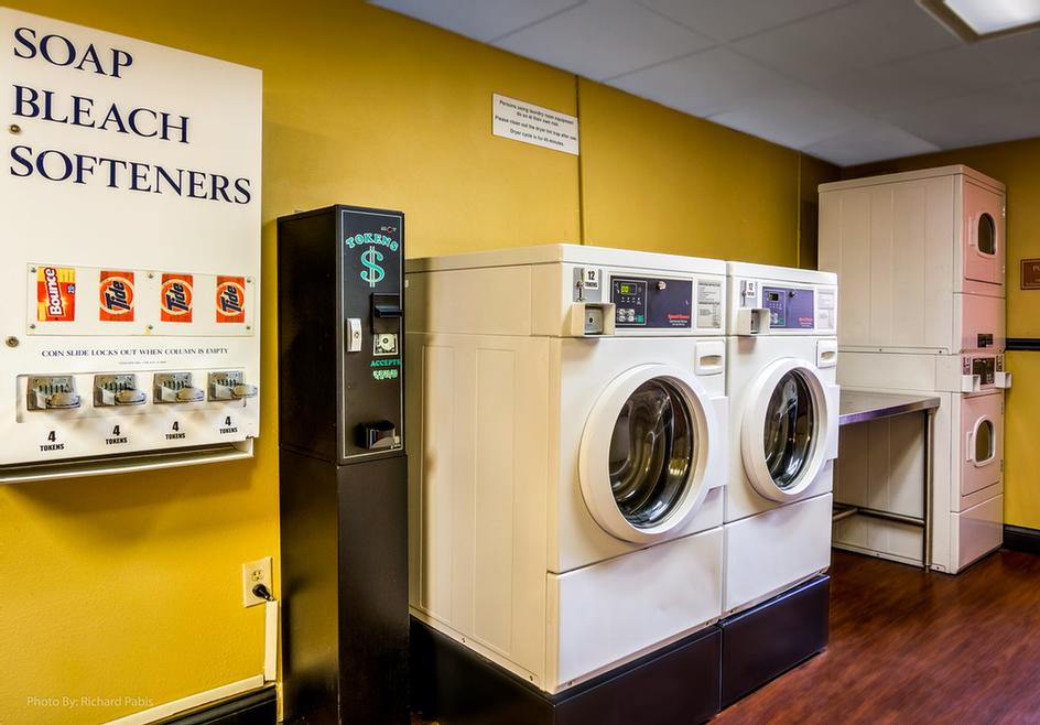 Guest Laundry 15 of 17