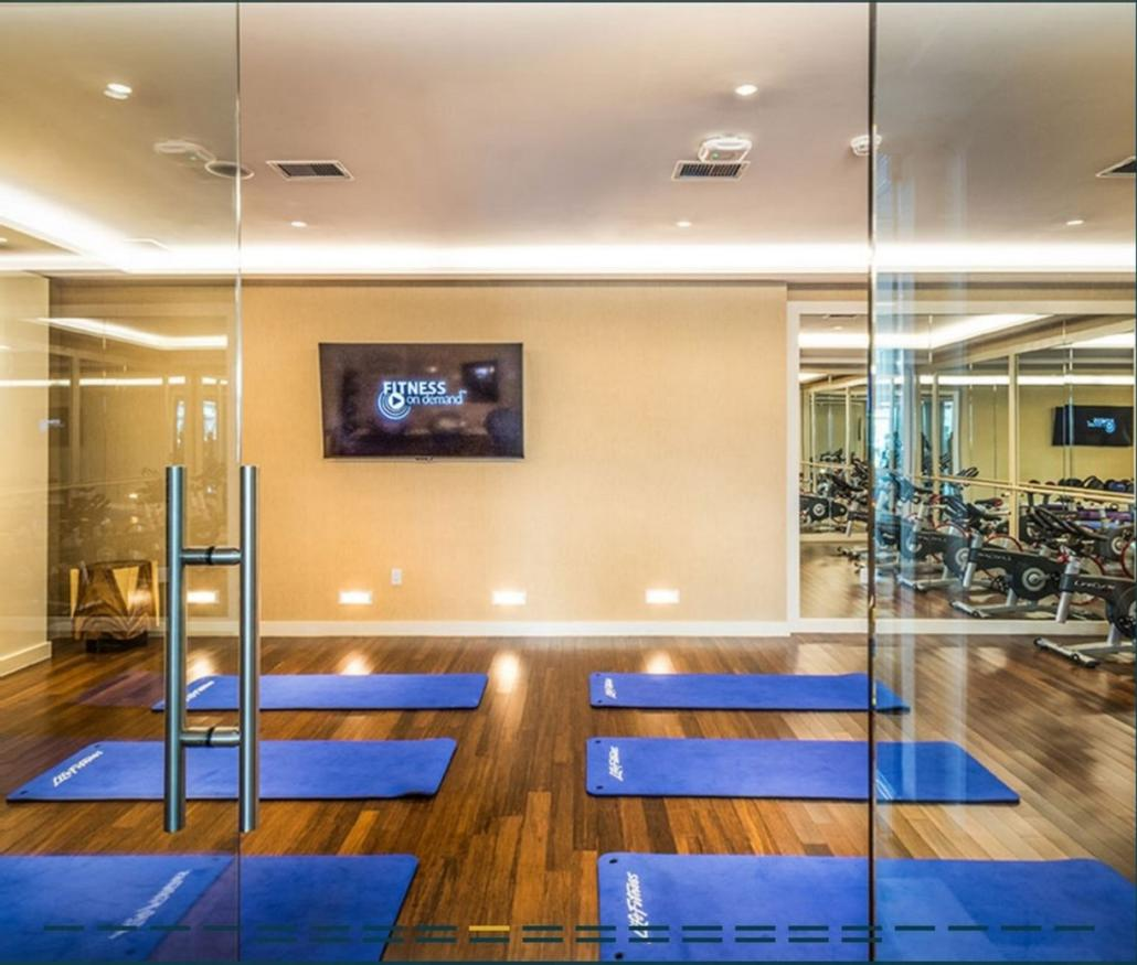 Fitness Room 6 of 18
