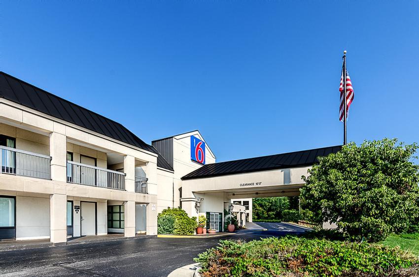 Motel 6 6621 Thirlane Rd Nw Roanoke Va 24019