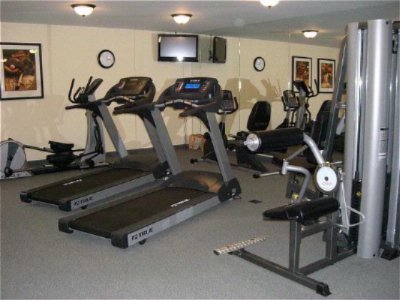24 Hour Fully Equipped Fitness Room 5 of 8