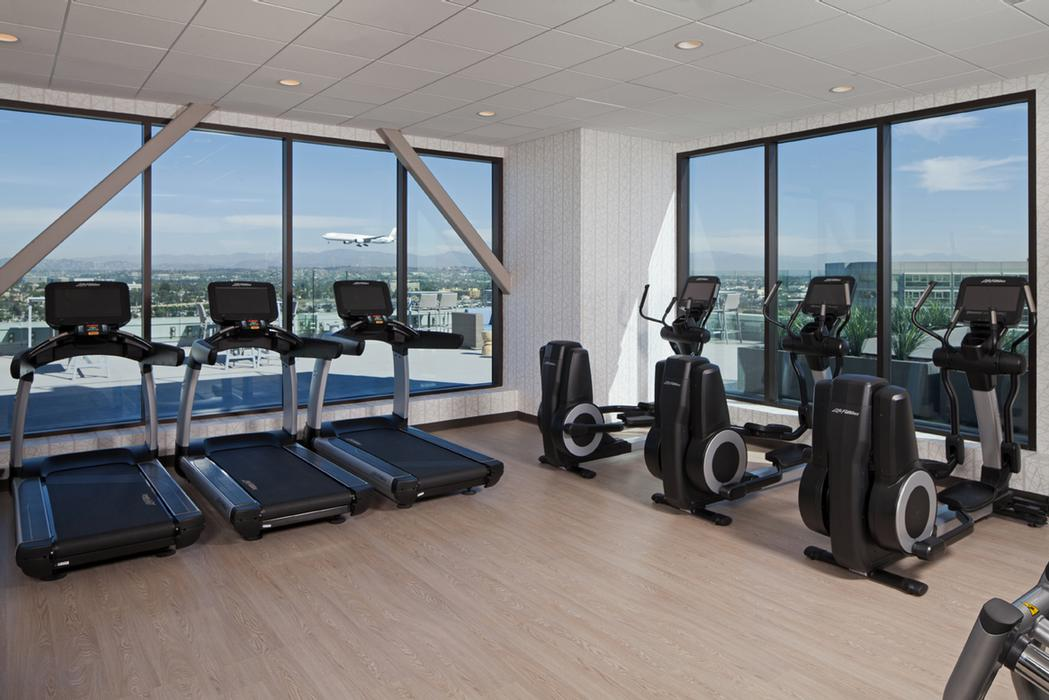 Fitness Center 16 of 25