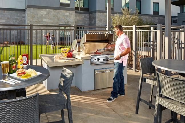 Hotel Bbq Area 15 of 23