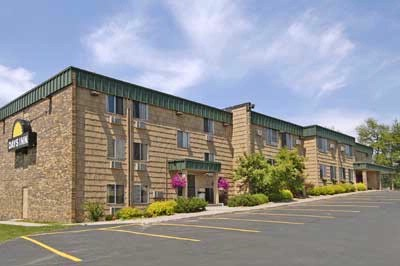 Days Inn Duluth by Miller Hill Mall 1 of 3