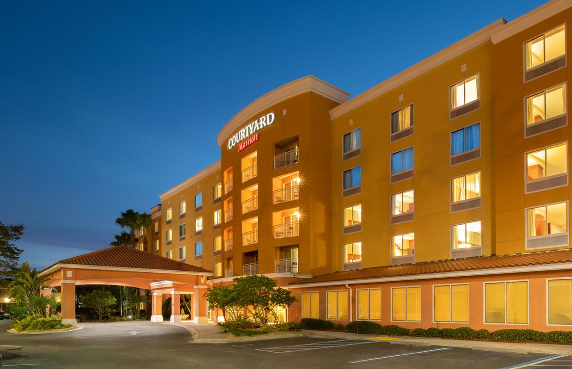 Courtyard Marriott Orange Park 1 of 7