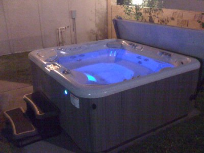 Outdoor Hot Tub 5 of 5