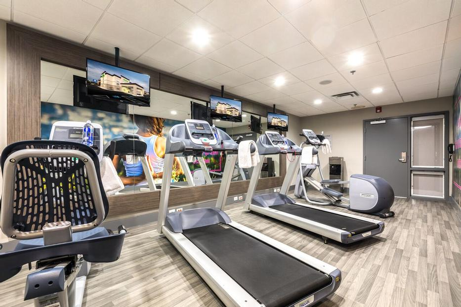 Fitness Facility 3 of 17