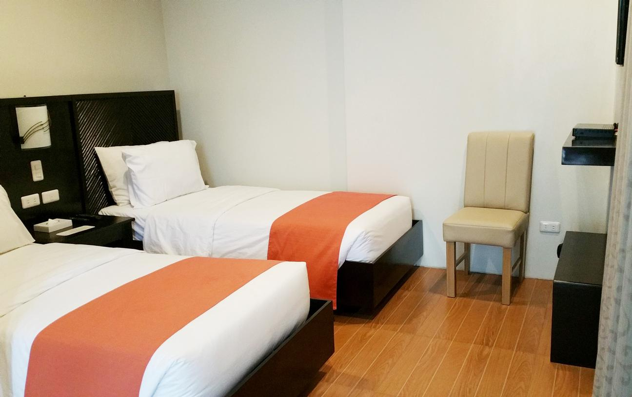 Deluxe Room (2 Singe Beds) 14 of 24