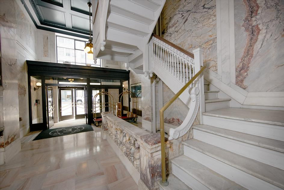 Marble Grand Staircase 8 of 25