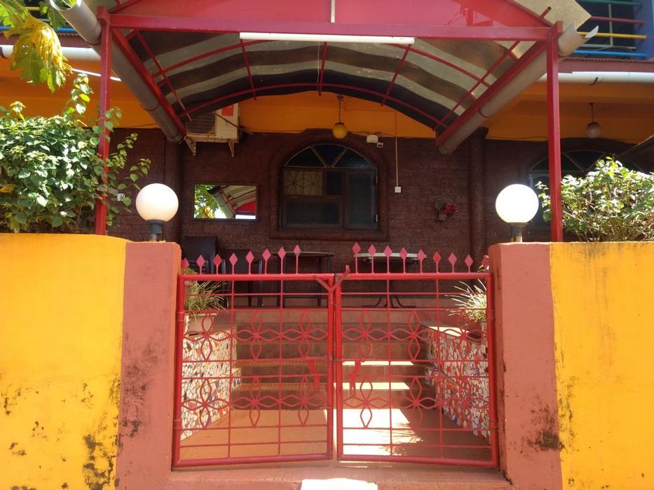 Colours Guest House Anjuna Goa