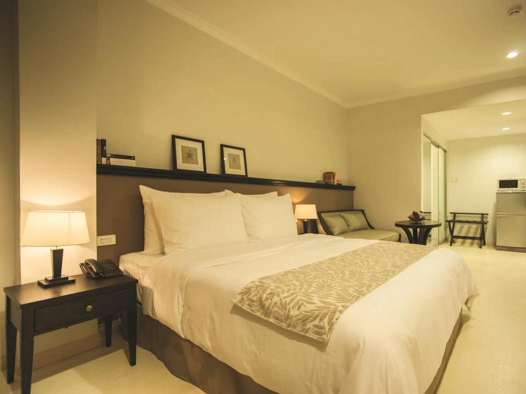 Alcove Suite City View With Kitchenette (Double King-Sized Bed) 8 of 10
