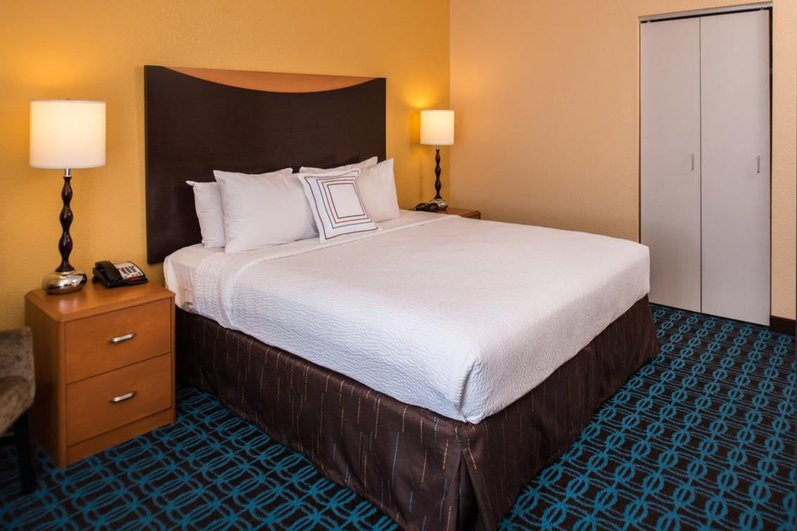 All Room Types Offfer Complimentary Wireless Internet As Well As A Mini Microwave And Refrigerator. 12 of 14