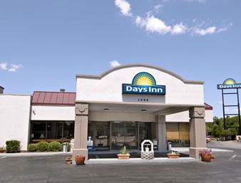Days Inn Airport 1 of 7