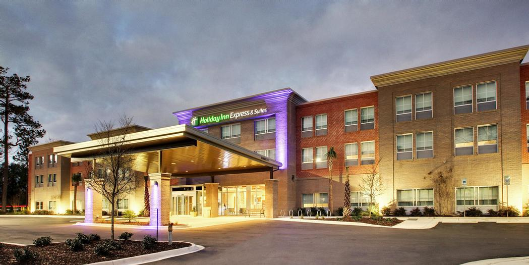 Holiday Inn Express & Suites Summerville 1 of 5